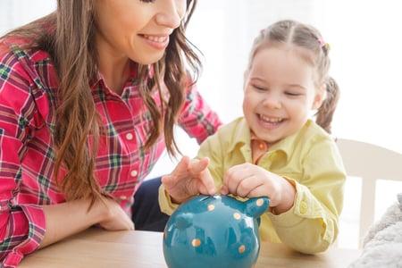 child-mom-piggy-bank