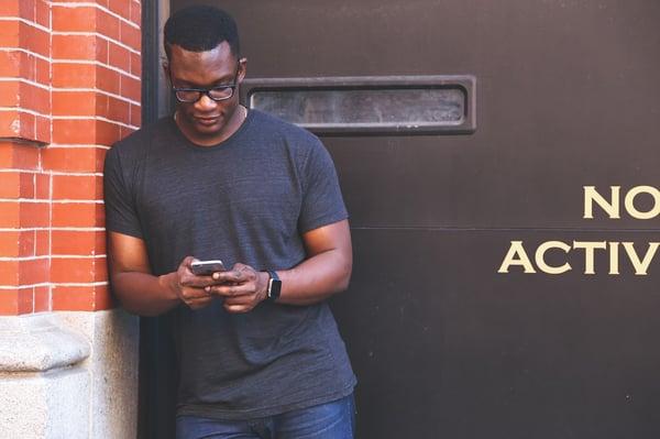 man-mobile-banking
